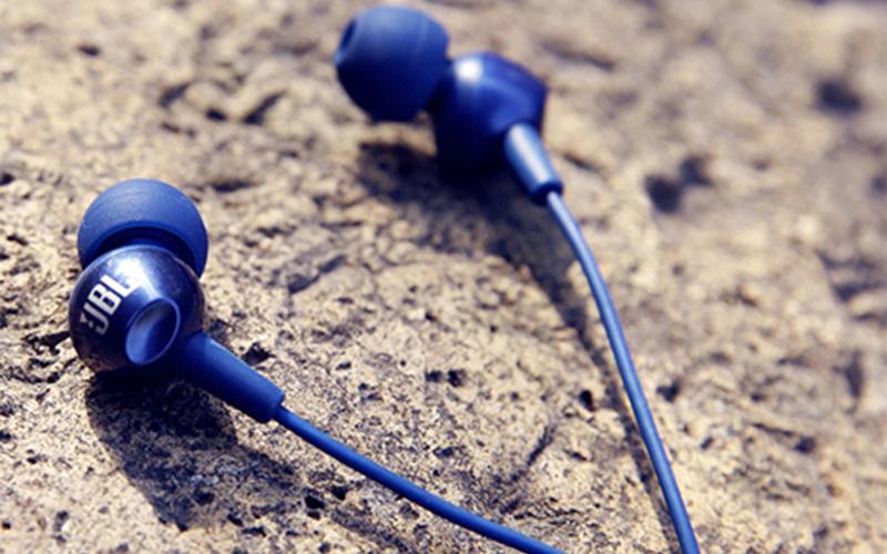 Headphones under 1000
